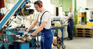 How to Land a Manufacturing Job